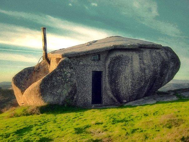 Casa en una piedra